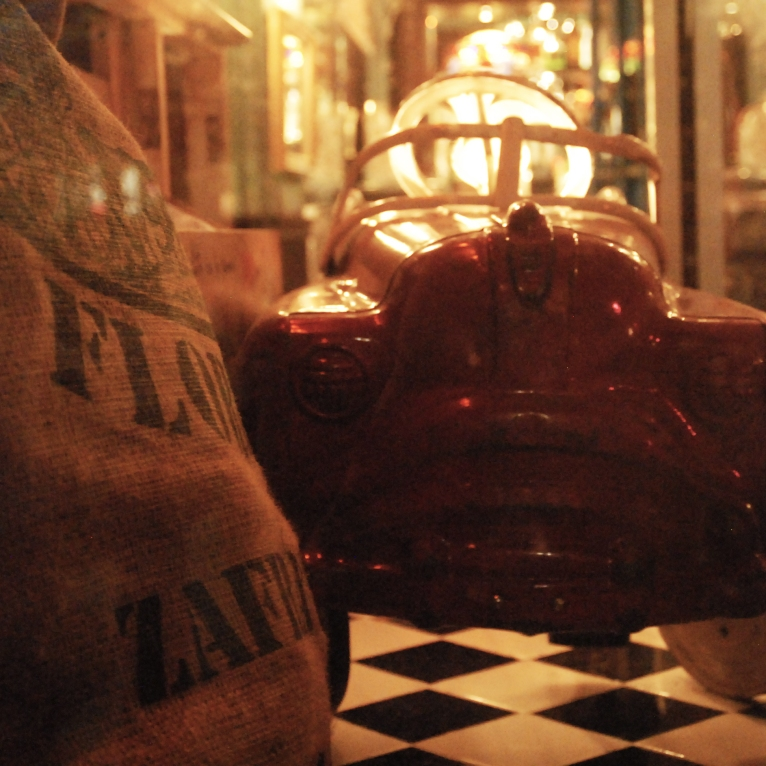 artformybody_photography_yeny_dguez_havana_1957_restaurant_187