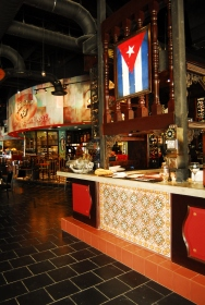 yosvany_teijeiro_bar_havana1957_pembrokepines_true_illusion_inc_21